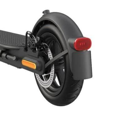 Xiaomi-Mi-Electric-Scooter-Pro-2-wheel
